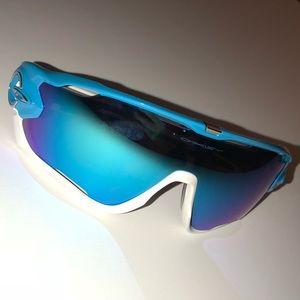 78e7949873a Oakley Accessories - Oakley Jaw Breaker Sunglasses